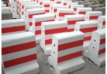 隔离墩设施和隔离墩安装间距一般规定和要求